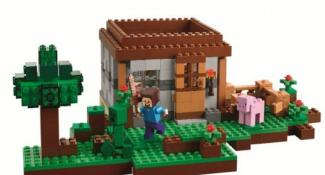 Leaked Photos Reveal the Lego Minecraft Sets of Your Dreams